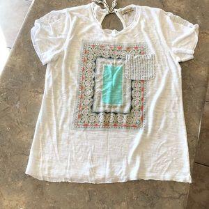 Tee shirt blouse. lite weight